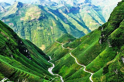 Le col de Ma Pi Leng | Ha Giang | Asia Hero Travel | Circuits sur Mesure au Vietnam