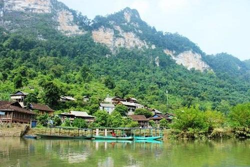 Le village de Pac Ngoi | Ba Be | Asia Hero Travel | Circuit sur Mesure au Vietnam