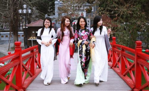 Asia Hero Travel | Ao dai | Blog